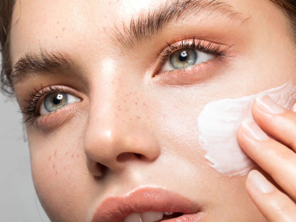 TAJOMSTVO MLADOSTI: Ako správne používať kozmetické produkty na pleť